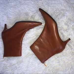 Anne Klein brown leather heeled ankle booties 8
